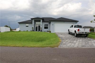 Cape Coral Single Family Home For Sale: 2705 NE 2nd Pl
