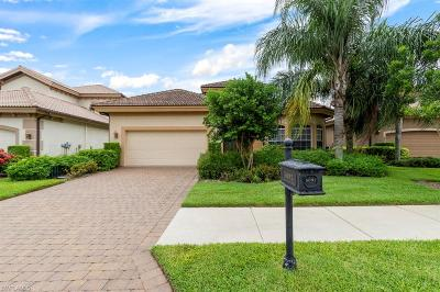 Naples Single Family Home For Sale: 6092 Dogleg Dr