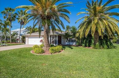 Cape Coral Single Family Home For Sale: 1915 SE 32nd Ter