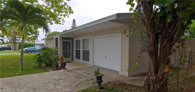 Cape Coral Single Family Home For Sale: 138 SE 44th St