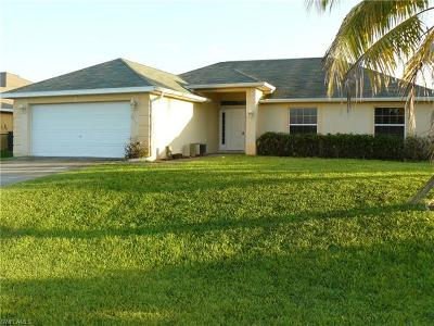 Cape Coral Single Family Home For Sale: 1713 SW 13th St