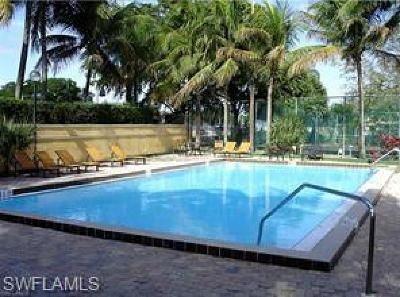Fort Myers Condo/Townhouse For Sale: 5309 Summerlin Rd #909