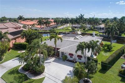 Cape Coral Single Family Home For Sale: 5101 Avalon Dr