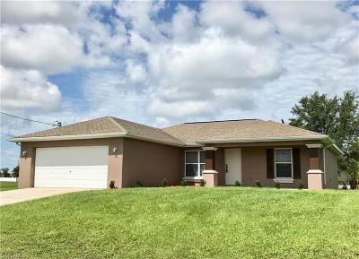 Cape Coral Single Family Home For Sale: 1206 Nelson Rd N