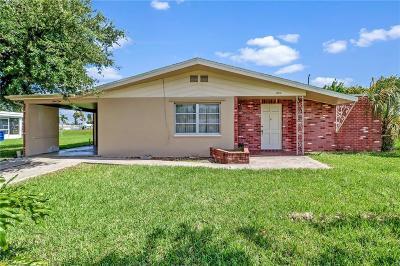 Lehigh Acres Single Family Home For Sale: 902 Monet St