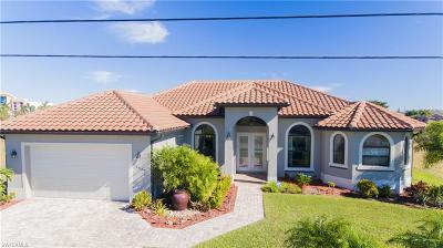 Cape Coral Single Family Home For Sale: 2509 Surfside Blvd