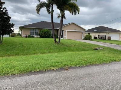 Lehigh Acres Single Family Home For Sale: 5122 Beecher St