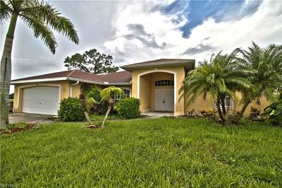 Cape Coral Single Family Home For Sale: 1612 SW 12th Ln