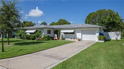 Lee County Single Family Home For Sale: 5234 Sunnybrook Ct