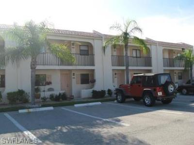 Fort Myers Condo/Townhouse For Sale: 16340 Dublin Cir #204