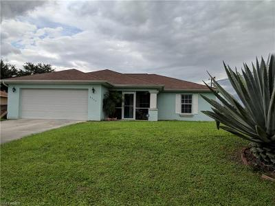 Lehigh Acres Single Family Home For Sale: 2704 63rd St W