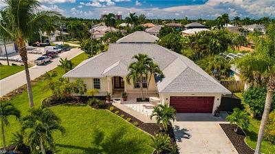 Cape Coral Single Family Home For Sale: 1720 SW 49th Ln