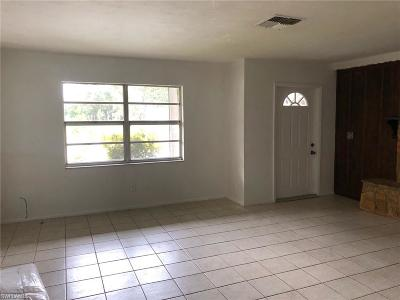 Fort Myers Single Family Home For Sale: 2991 Ribbon Ct
