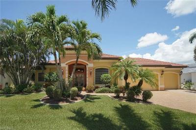 Bonita Springs, Cape Coral, Estero, Fort Myers, Fort Myers Beach, Marco Island, Naples, Sanibel, Captiva Single Family Home For Sale: 5820 Harbour Cir