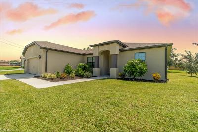 Cape Coral Single Family Home For Sale: 1233 SW 18th Ave