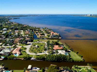 Fort Myers Single Family Home For Sale: 15071 Intracoastal Ct