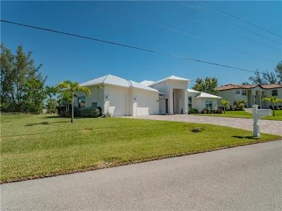 Cape Coral Single Family Home For Sale: 2207 SW 23rd Street