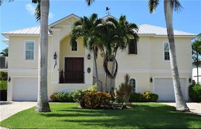 Fort Myers Beach Single Family Home For Sale: 14 Avenida Carita