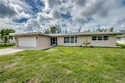 Cape Coral Single Family Home For Sale: 2084 Coral Point Drive