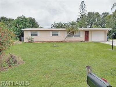 North Fort Myers Single Family Home For Sale: 217 Brooks Ct
