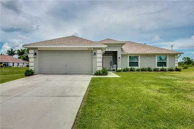 Cape Coral Single Family Home For Sale: 4036 NE 9th Ave
