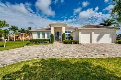 Cape Coral Single Family Home For Sale: 2117 SW 50th Ln