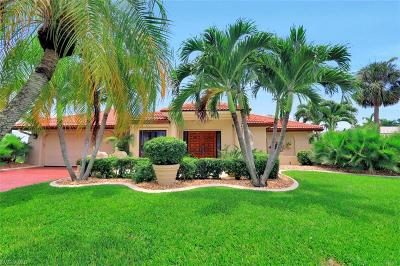 Cape Coral Single Family Home For Sale: 1608 Edith Esplanade
