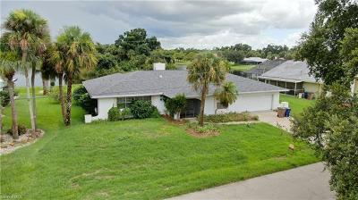 Lehigh Acres Single Family Home For Sale: 2403 Lakeview Dr