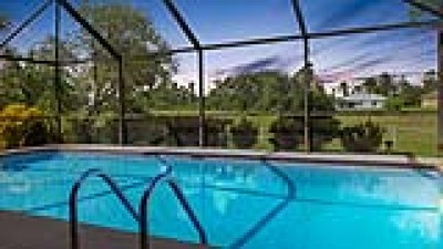 Lehigh Acres Single Family Home For Sale: 688 Mirror Lakes Ct