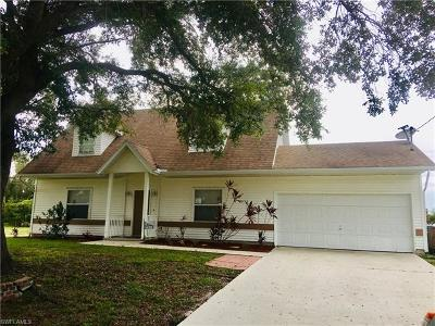 Cape Coral Single Family Home For Sale: 1631 SW 19th Ter