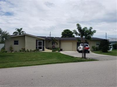Fort Myers Single Family Home For Sale: 6738 Candlewood Dr
