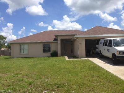 Lehigh Acres Single Family Home For Sale: 404 Willowbrook Dr