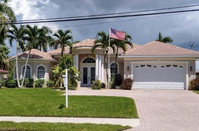 Cape Coral Single Family Home For Sale: 5245 Pelican Blvd