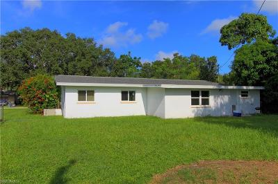 North Fort Myers Single Family Home For Sale: 1628 Daniels Dr