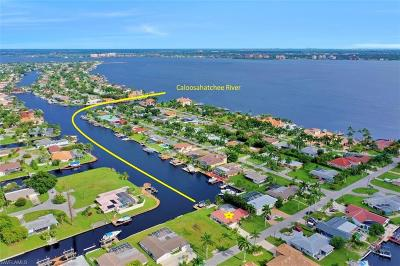 Cape Coral Single Family Home For Sale: 5353 Bayshore Ave