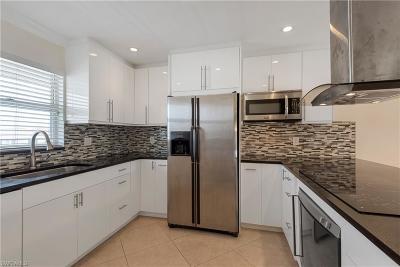 Cape Coral Condo/Townhouse For Sale: 4616 Skyline Blvd #207