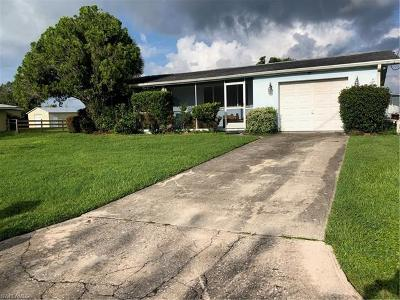 Fort Myers Single Family Home For Sale: 4840 Shady River Ln