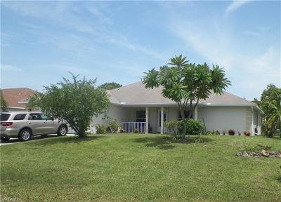 Cape Coral Single Family Home For Sale: 1625 SW 3rd St