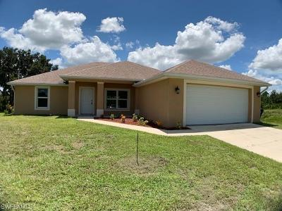 Lehigh Acres Single Family Home For Sale: 4019 7th St W