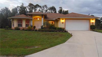 Lehigh Acres Single Family Home For Sale: 930 Pompom Ct