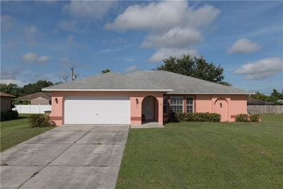 Cape Coral Single Family Home For Sale: 206 NE 10th Pl