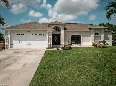 Cape Coral Single Family Home For Sale: 1706 SE 5th Ct