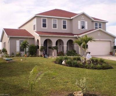 Cape Coral Single Family Home For Sale: 1418 NE 9th Ter