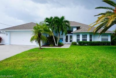 Cape Coral Single Family Home For Sale: 1313 SE 21st Ln