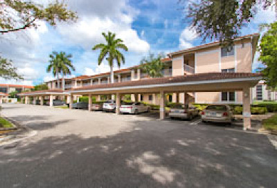 Fort Myers Condo/Townhouse For Sale: 9900 Sunset Cove Lane Ln #123