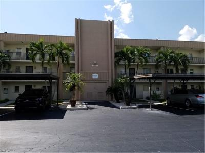 Fort Myers Condo/Townhouse For Sale: 2111 Barkeley Lane #4