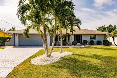 Cape Coral Single Family Home For Sale: 3010 SE 18th Ave