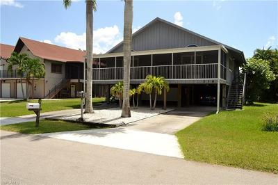 Fort Myers Beach Multi Family Home For Sale: 238 Nature View Ct