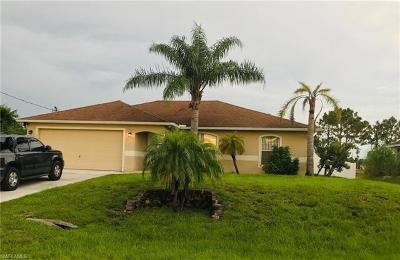 Lehigh Acres Single Family Home For Sale: 1023 Mark Ave S