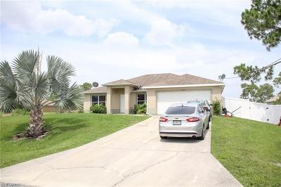 Lehigh Acres Single Family Home For Sale: 1823 Ridgemoor St